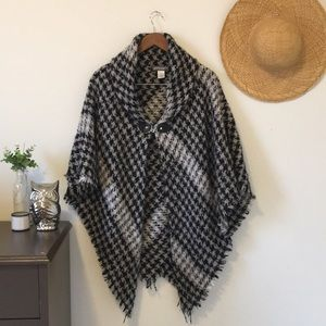 Black and Grey Houndstooth Shawl Poncho